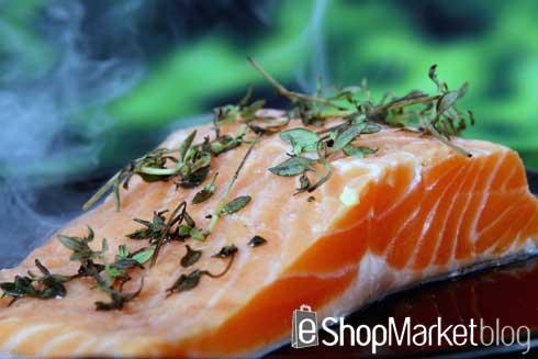 Recetas para el estuche al vapor de Lékué: salmón en su jugo con cebolla