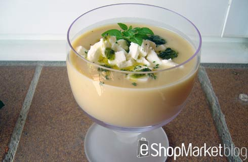Crema fría de garbanzos con queso feta y aceite de albahaca, menú de recetas