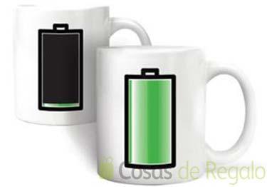 Recarga tu energía con esta original taza con una pila