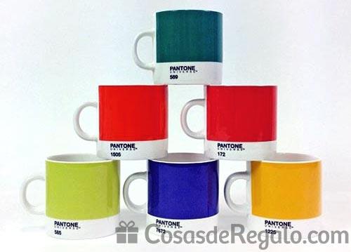 Dos tazas Pantone en sorteo: cambia el color de tu desayuno