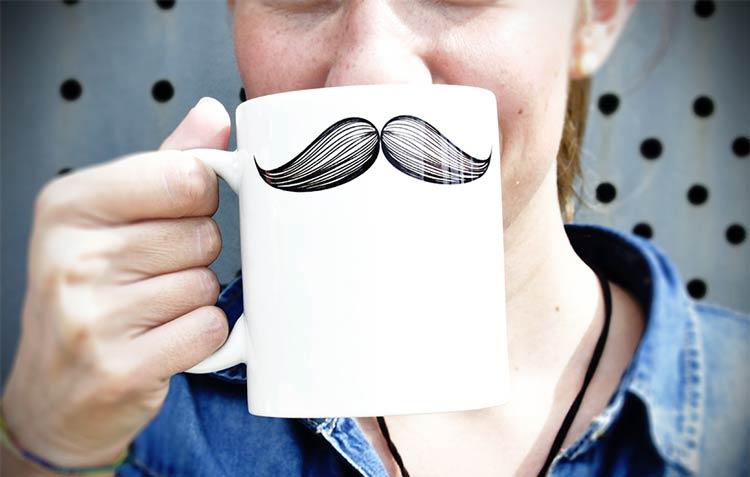 A punto para el próximo Movember: acompaña tu bigote con estos regalos