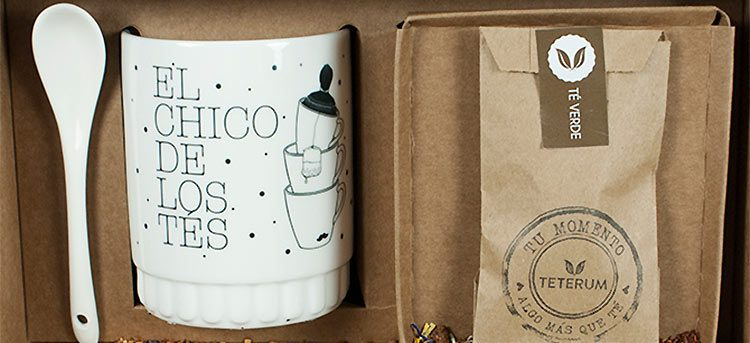 Nuevos kits de taza con cucharilla, tapa y muestra de té